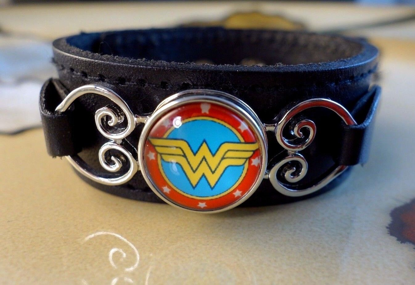 WONDER WOMAN SNAP BUTTON ON BLACK leather gifts for women br