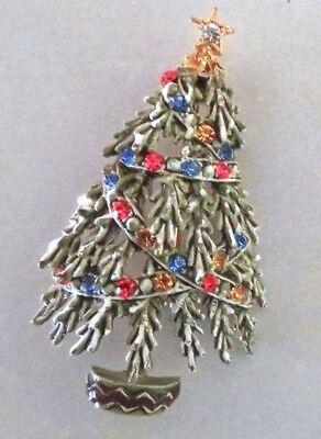 VTG SIGNED ART SNOWY CHRISTMAS TREE PIN BROOCH, GREEN ENAMEL, RHINESTONES ()