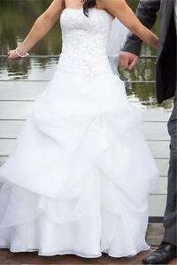 Wedding Dress Pakenham Cardinia Area Preview