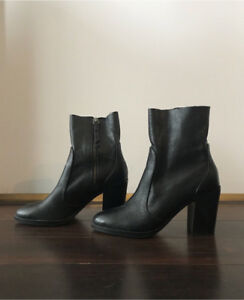 Black leather booties 7.5 size