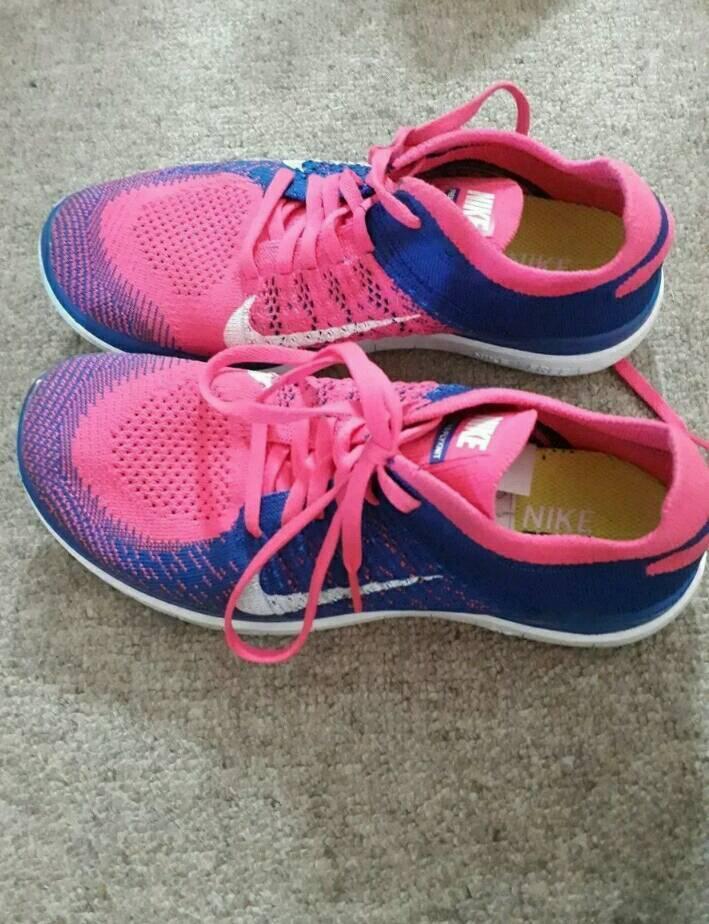 Women's size 5 Nike trainers
