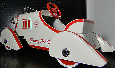 Ford Fire Engine Pedal Car Truck Rare Vintage Classic Midget Metal Model White