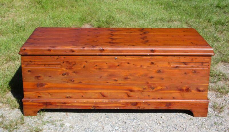 Vintage Cavalier Furniture Co. Cedar Hope Chest Storage Trunk Bed Bench