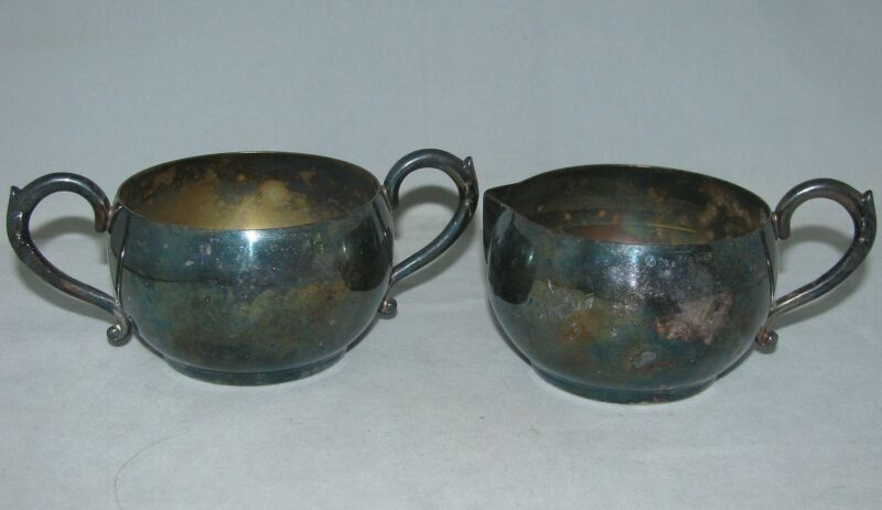 Wm A Rogers Oneida 612 Tudor Plate Silverplate CREAMER & OPEN SUGAR Set