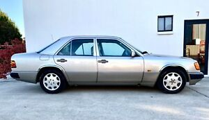 1992 Mercedes-Benz 230 E Automatic Sedan