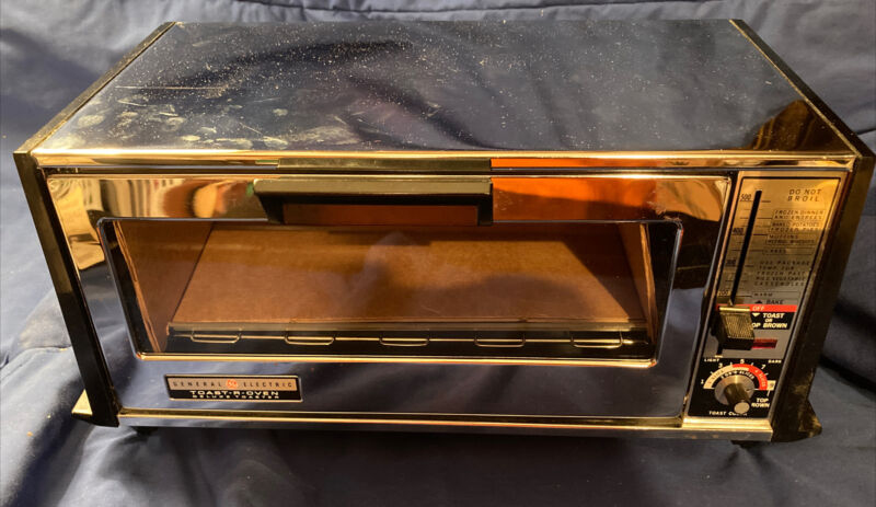 NEW Vintage GE Toast R Oven King Size Deluxe  T-94 General Electric Toaster NEW
