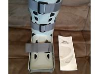 Aircast AirSelect Elite Walker Boot - Foot Ankle Brace Very Good Condition (2 Sock Liners Available)