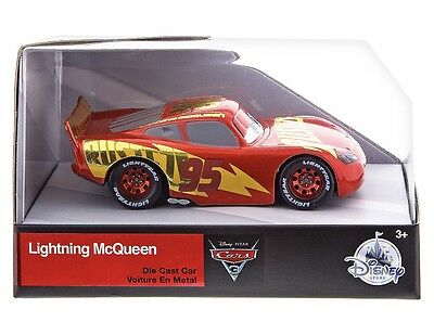Disney Parks Pixar Cars 3 NEW 2017 Lightning McQueen Die Cast Car