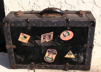 Rare Old SHIRLET TEMPLE Doll Carring CASE SUITCASE