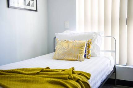**COMPLIMENTARY RENT UNTIL MARCH 1 2018 ON SELECTED UNITS**