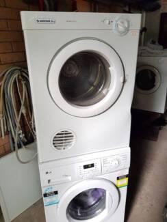 5kg Simpson Clothes Dryer.