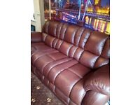 (GENUINE BARGAIN)LAZBOY SOFA ONLY 8 MONTHS OLD £300(GENUINE BARGAIN)includes matching armchair