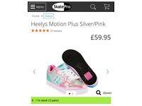Girls Heelys size 4 *BRAND NEW*