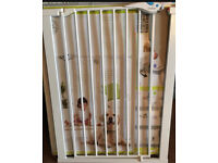 Lindam easy it plus tall deluxe baby safety stair gate