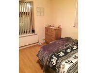 *LOVELY STUDENT ROOM AVAILABLE NOW IN CATHAYS*