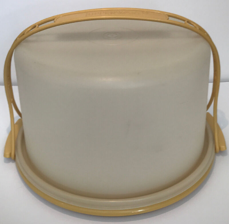 TUPPERWARE VINTAGE CAKE KEEPER CONTAINER CARRIER LID STRAP HARVEST YELLOW 684-5