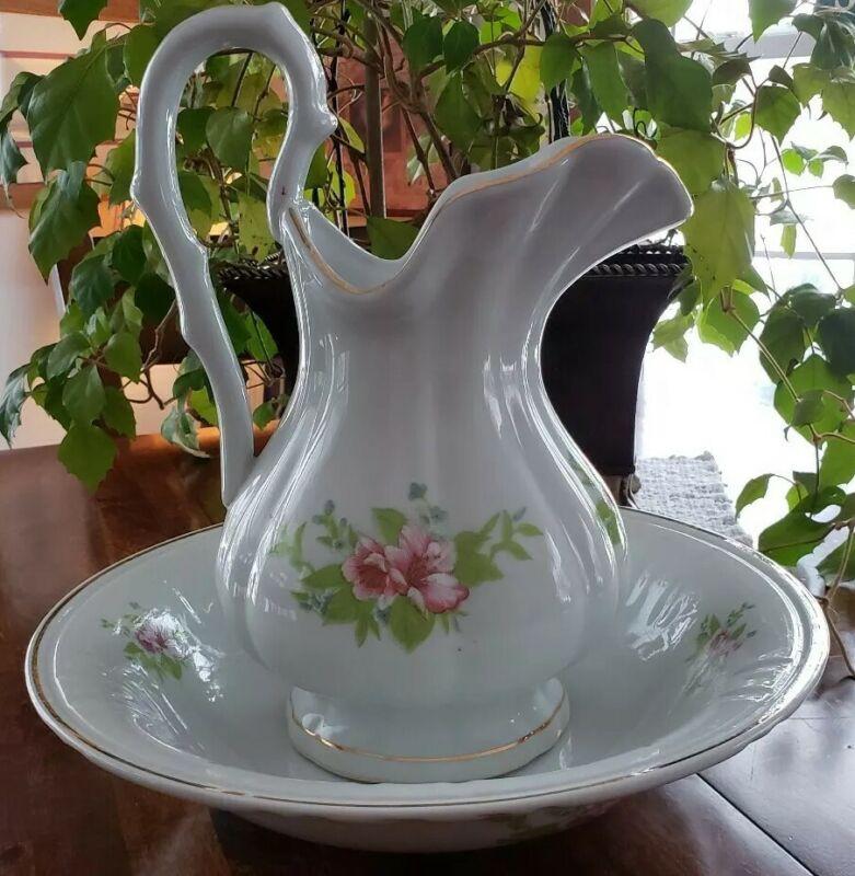 Beautiful ~ Large ~ Vintage ~ Floral Design Pitcher & Wash Basin Bowl Set ~ RARE