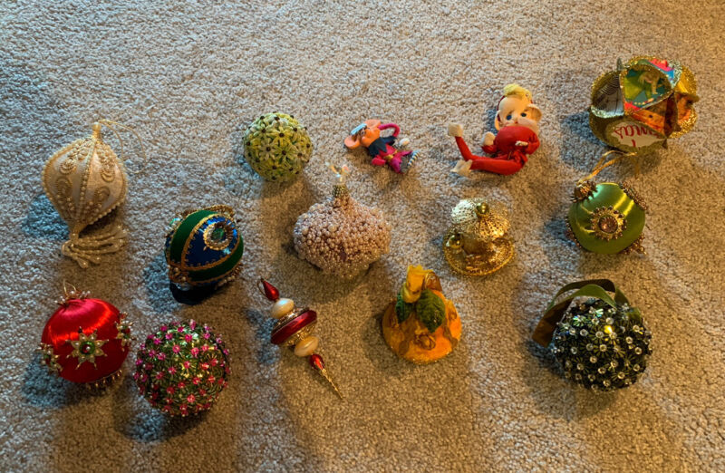 Big Lot of 14 Mid Century Modern Christmas Tree Ornaments MCM Beaded Push Pin