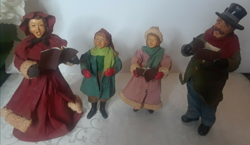 Vintage Clothtique  Man Woman & Two Children Carolers Christmas Possible Dreams