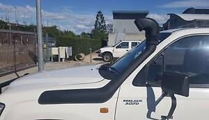 SNORKEL FITTED TOYOTA HILUX 165 167 172 176 SERIES 97-05 DIESEL Bethania Logan Area Preview