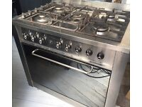 Freestanding Electric oven and gas hob