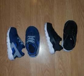 2xPairs Nike Huraches