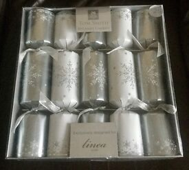 New in box 10 House of Fraser luxury crackers COST £25. FAVERSHAM AREA