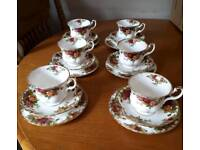 STUNNING 18PC ROYAL ALBERT FINE BONE CHINA SET