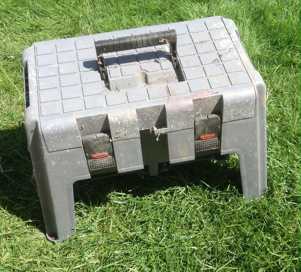 Plastic Step Stool / Toolbox & Plastic Step Stool / Toolbox | in Yeovil Somerset | Gumtree islam-shia.org