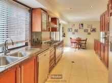 Sunnybank hills large house 6 bedrooms 4 bathroom!! Sunnybank Hills Brisbane South West Preview