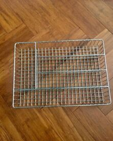 Wire cutlery tray insert for drawer