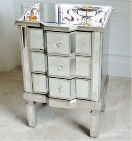Brand New Mirrored Venetian Bedside Cabinet 3 Drawers