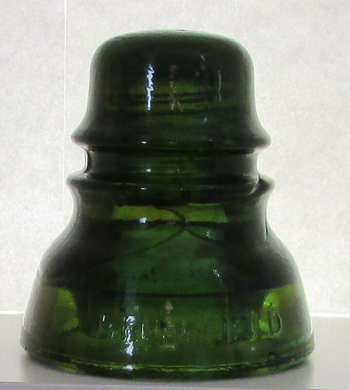 Brookfield CD 152 glass insulator in Olive Amber