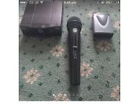Pro audio wireless microphone AKG WMS40 HT40