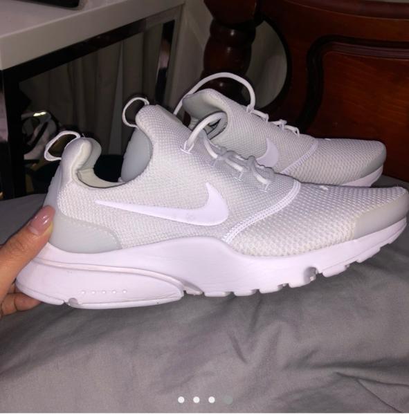 48f2a8ab873afd Nike presto triple white new never worn Size 8 women s