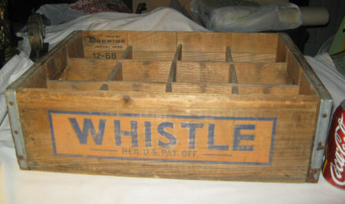VINTAGE USA COUNTRY STORE WOOD WHISTLE SODA BOTTLE ART SIGN BOX HOLDER CRATE AD