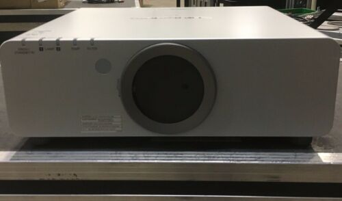 Panasonic DLP PT-DX810ULS projector
