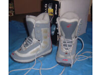 Flow Force Gray Ladies Snowboard Boots UK Size 7 RRP £119.95 Box a bit tatty