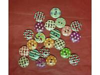 42 wooden patterned craft buttons