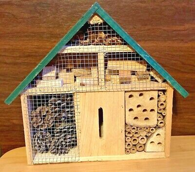 Unique House Shape Wooden Beehive Wwood Tubes Pine Cones Wood Blocks And Pods