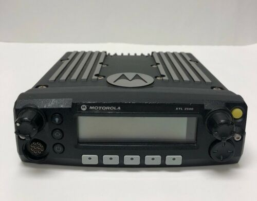 Motorola XTL 2500 P25  Radio Mobile  M21URM9PW1AN USED