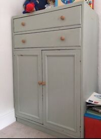 Cupboard unit with 2 drawers
