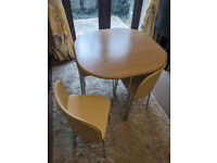Space Saving Dining Table and Chairs