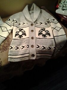 BEAUTIFUL NEW **NATIVE STYLE SWEATER $40 GREAT CHRISTMAS GIFT