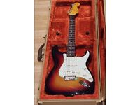 Fender Stratocaster Vintage Spec Nitrocellulose Lacquer Series Sunburst 2016 model