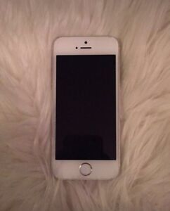 White iPhone 5s 16gb Rogers