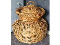 Wicker Laundry / Storage Basket + Lid ~ Shabby Chic, Vintage