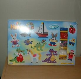 HAMA BEADS 6000 BOXED 3 BOARDS NEW HOURS OF FUN, MAKE FAMILY GIFTS & GREAT MEMORIES £8
