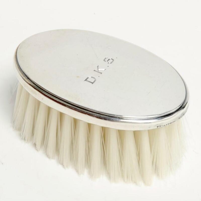 VINTAGE TIFFANY & CO. MAKERS STERLING SILVER OVAL GROOMING BRUSH