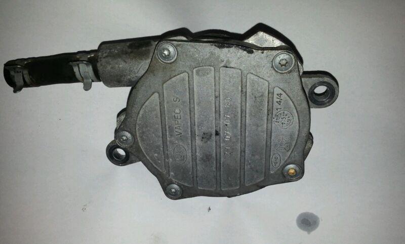 Lexus is 220d  vacume pump 2Ad engine type2006-2012 - 21070780